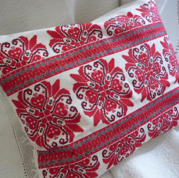 Hand Embroidered Cross Stitch Cushion Cover-parna